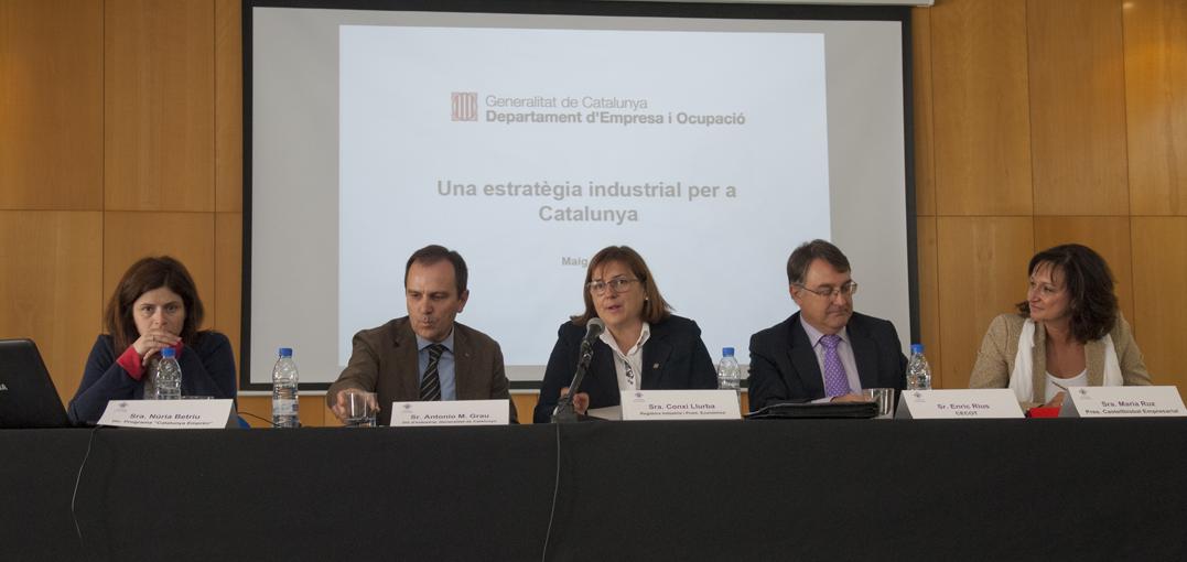 D'esquerra a dreta: Núria Betriu, Directora de Catalunya Emprèn, Antoni M. Grau, Director General d'Indústria de la Generalitat de Catalunya; Conxi Llurba, Regidora d'Activitats, Indústria i Promoció Econòmica de l'Ajuntament de Castellbisbal; Enric Rius, responsable Financer i Fiscal de CECOT, i Maria Ruz, presidenta de Castellbisbal Empresarial.